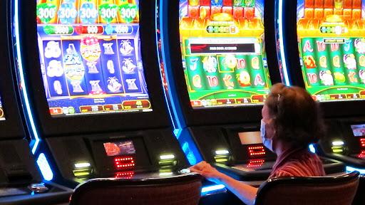 100 slot machine online